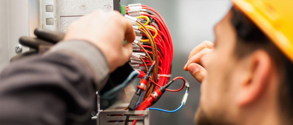 electrical-repair-team